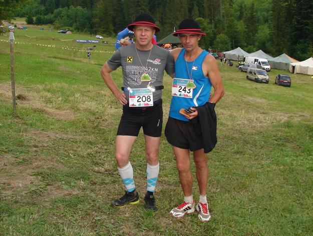 Miroslav Vitek (vľavo) sPetrom Puškárom zo Slávie Trnava po Goralskom maratóne.
