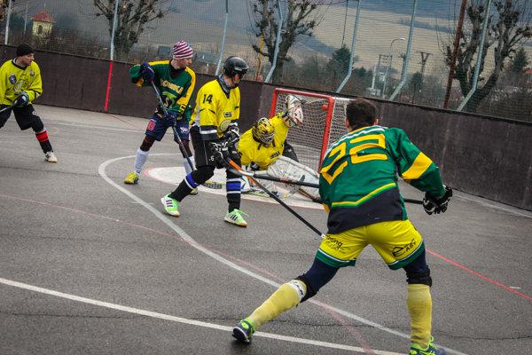 Diváci videli na siedmom ročníku Štefanského hokejbalového turnaja množstvo krásnych gólov.
