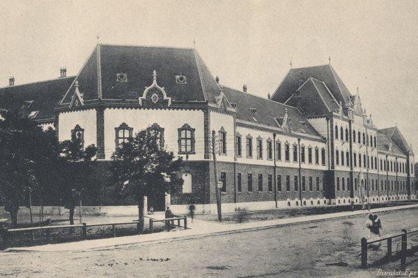Jedna z mnohých košických škôl – Maďarská štátna chlapčenská meštianska škola.