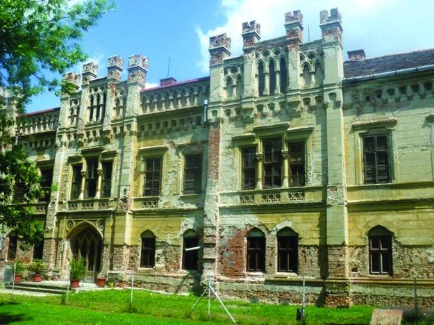 Prípad sa týka projektu obnovy neogotického kaštieľa v Galante.