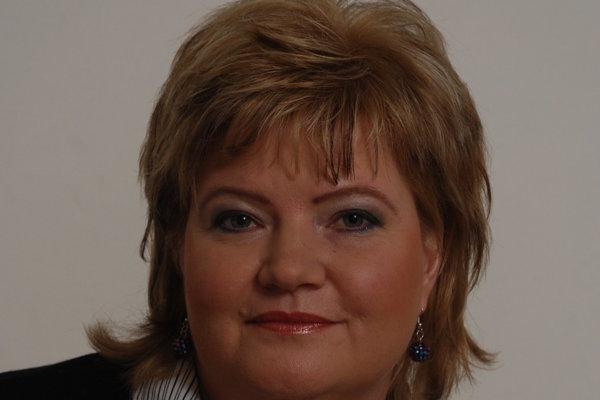 Mária Kovaľová sa dlhé roky venovala opatrovateľkám východného bloku v zahraničí, ktorým pomáhala riešiť nečakané situácie, súdne spory či finančnú krízu. Teraz v Asociácii pracovníkov sociálnych služieb rieši práva opatrovateliek na Slovensku.