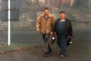 János Bán a Marián Labuda vo filme Vesničko má středisková (1985).
