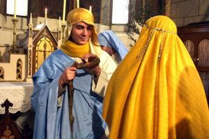 Počas Vianoc ožíva v kostoloch krásny biblický príbeh.