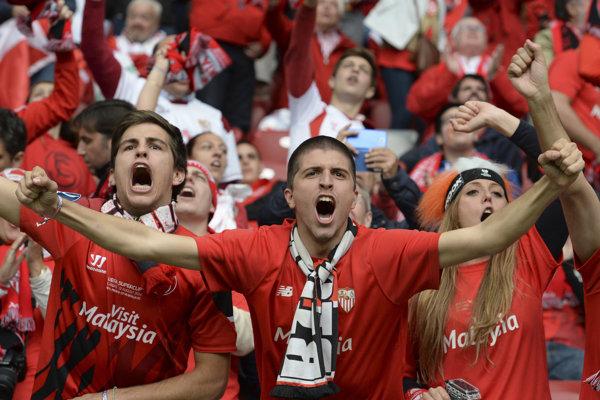 Fanúšikovia FC Sevilla. Ilustračná fotografia