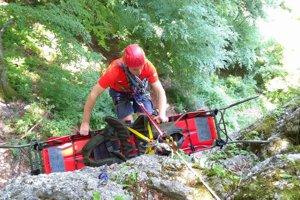Horskí záchranári fungujú na Kysuciach už rok.