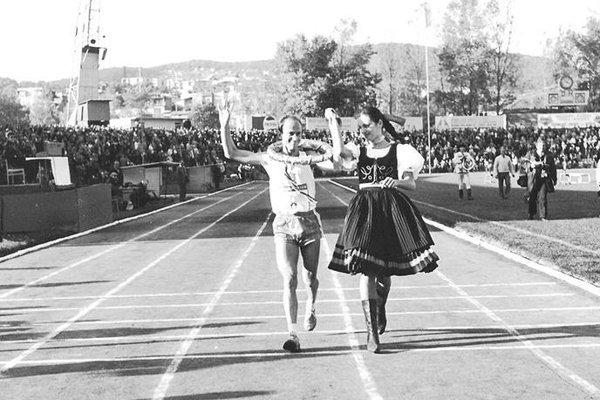 Víťazné dobehnutie do cieľa MMM. František Višnický vyhral vKošiciach dvakrát.