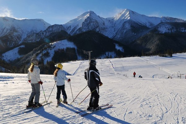 Pri extrémnych mrazoch hrozia omrzliny aj pri lyžovaní.
