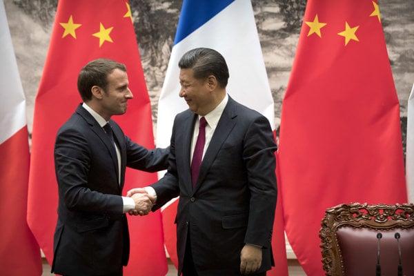 Emmanuel Macron s čínskym kolegom Si Ťin-pchingom.