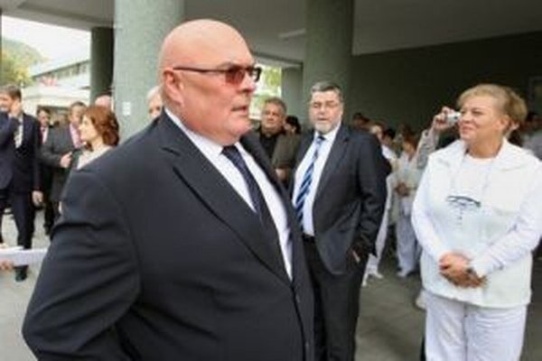 Riaditeľ Vladimír Baláž pochybenia odmieta.