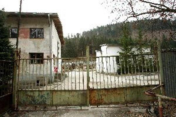 Jedna z lokalít, kde mesto uvažuje o stavbe bytov nižšieho štandardu, je aj bývalá chemická prevádzka pri Uľanke