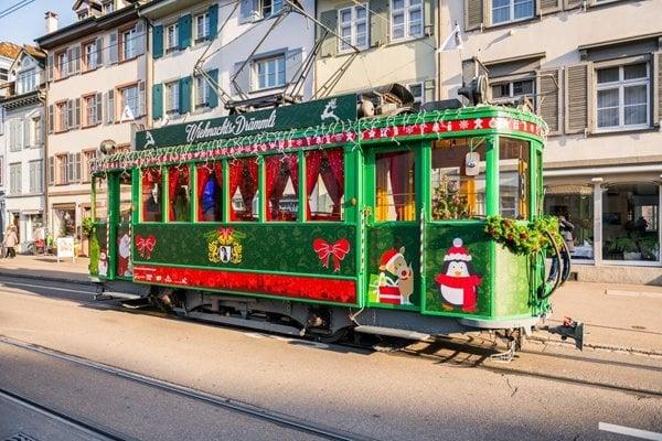 Vianočná električka v Bazileji skončila na 9. mieste.