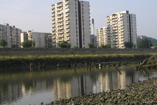 Pozostatky dreveného mosta patria medzi technické pamiatky.