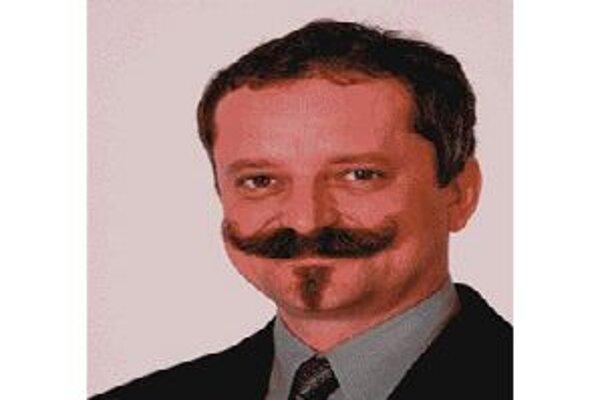 Poslanec Asen Almáši je nezvestný viac ako rok. Včera mu zanikol poslanecký mandát.