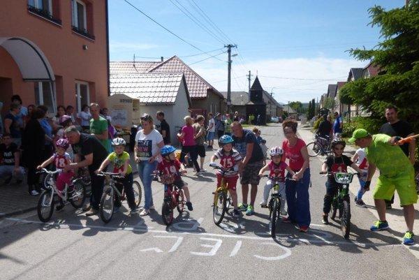 Štart cyklistických pretekov v Lipníku.