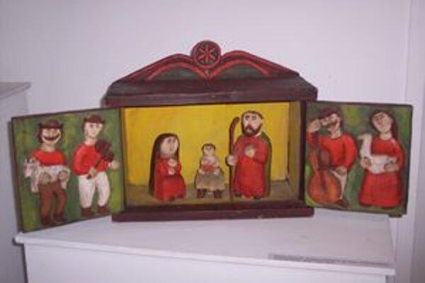 Medzi najmladšie betlehemy patrí dielo Dušana Benického z Ponickej Huty.