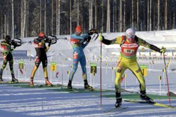 Slovenský biatlonista Matej Kazár živí šancu na mass štart.