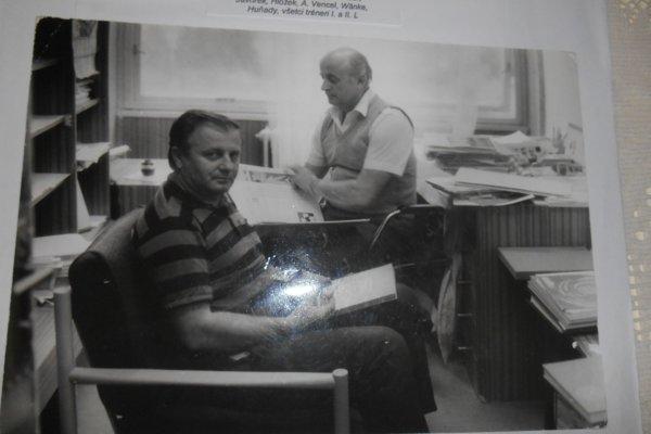 S legendou. J. Vengloš počas častých stretnutí s J. Tarcalom.
