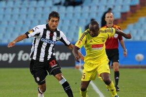 Lassana Diarra (vpravo) je novou posilou PSG.