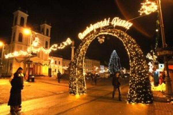 Novú vianočnú výzdobu mesto tento rok kvôli šetreniu nenakupuje