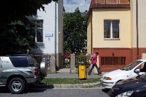 Na úrade práce v Brezne sa kvôli rastúcej nezamestnanosti neraz tvoria dlhé rady
