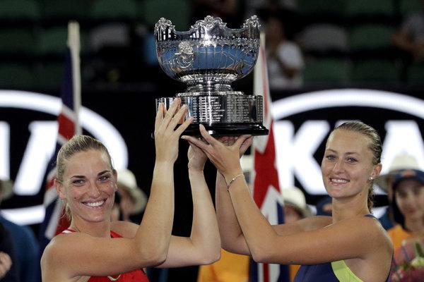 Maďarská tenistka Tímea Babosová a Francúzka Kristina Mladenovicová vyhrali štvorhru žiena na Australian Open.