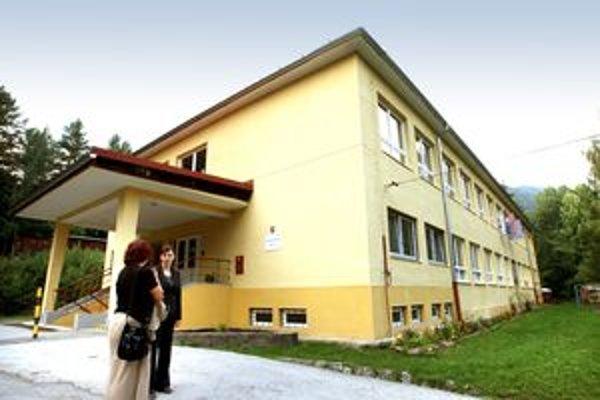 Škola v Starých Horách chce pritiahnuť aj bystrické deti.
