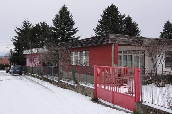 Vareáli škôlky na Slnečnej vznikne napriek protestom komunitné centrum.