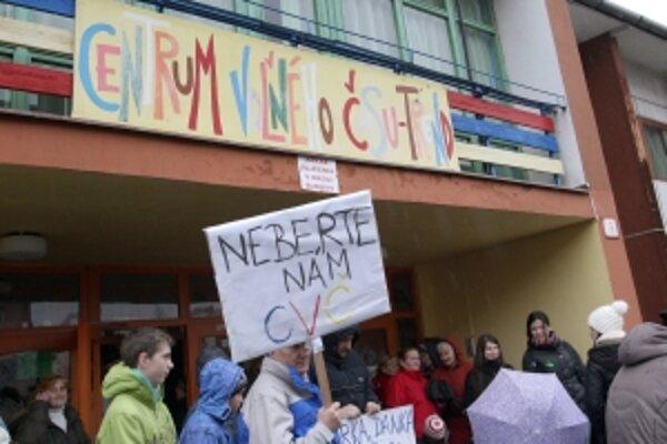 Protest proti zrušeniu CVČ.