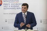 Štátny tajomník ministerstva práce, sociálnych vecí a rodiny  Branislav Ondruš