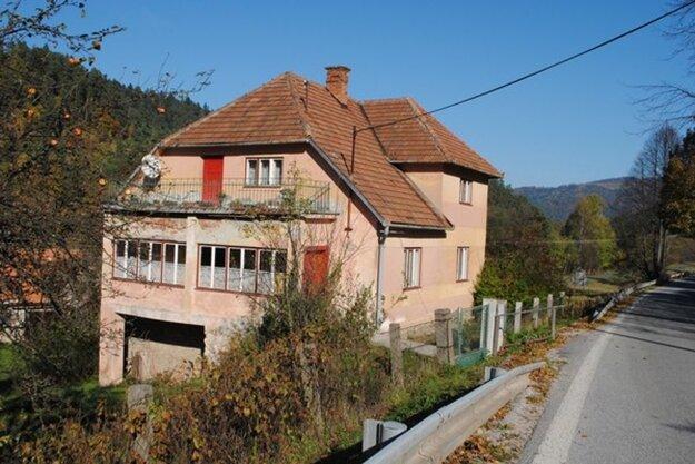 Doma pani Eleonóry, v ktorom ju traja Smolníčania prepadli a zavraždili.