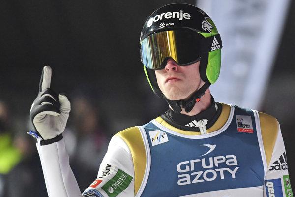 Slovinský skokan na lyžiach Anže Semenič sa stal prekvapujúco víťazom v poľskom Zakopanom.