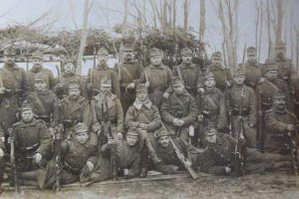Kto sú vojaci na fotografii už nevie nikto.
