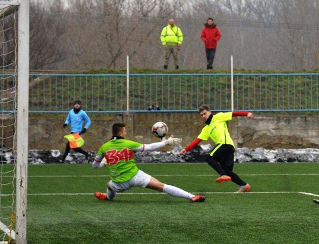 Ľuboslav Laura strelil dva góly pri víťazstve Serede nad Púchovom 5:0.