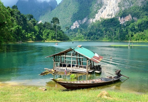 Úžasnú prírodu Thajska možno objavovať napríklad v Národnom parku Khao Sok.