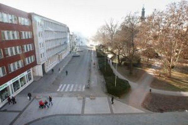 Severná časť námestia má prejsť rekonštrukciou v rovnakom architektonickom štýle, v akom už mesto v minulosti zrekonštruovalo väčšinu námestia.