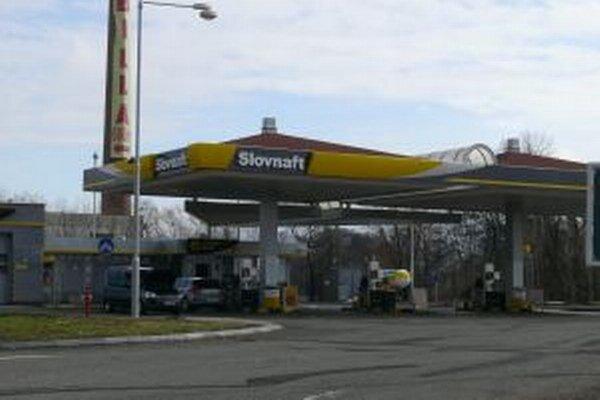 Benzínová pumpa v Detve.