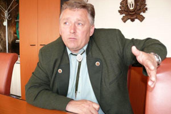 Riaditeľ závodu v Kriváni Ivan Gallo nie je s cenami pre veľkoodberateľov spokojný.