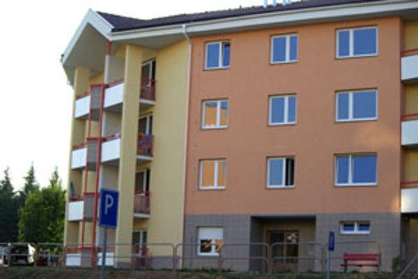 Nová bytovka s nájomnými bytmi je štvrtou a zároveň poslednou na Zlatom potoku.