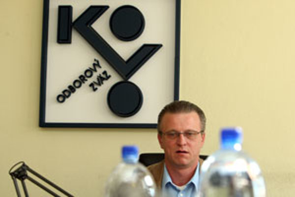 Navrhované zmeny v odmeňovaní sú neakceptovateľné, hovorí odborový predák Stanislav Ľupták.