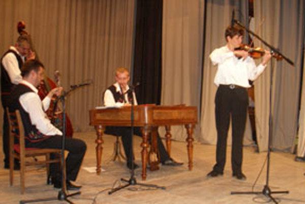 Prvenstvo v interpretácii podpolianskych piesní získal mladý huslista Pavel Martinka.