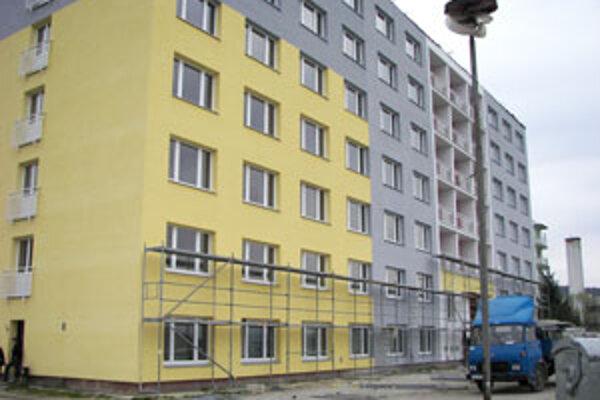 Stavebné práce sa už začali, mesto si musí na ich ukončenie vziať úver z banky.