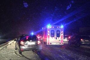 Nehoda na diaľnici medzi Košicami a Prešovom.