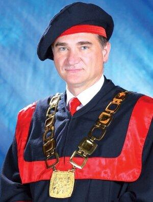Dekanprof. Dr. Ing. JOZEF PETERKA
