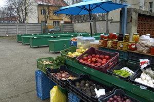 Aj v zime si tam ľudia mohli nakúpiť ovocie a zeleninu.