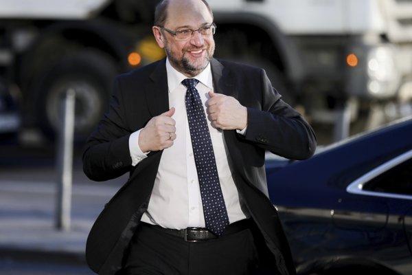 Šéf SPD Martin Schulz prichádza na rokovania o novej koalícii.