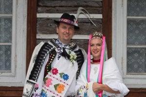 Viktor a Martina Ťaskovci. Manželov spája aj vrúcna láska k folklóru.