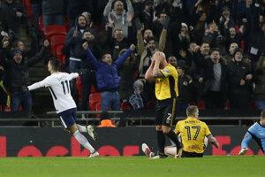 Erik Lamela (vľavo) sa raduje zo svojho gólu.