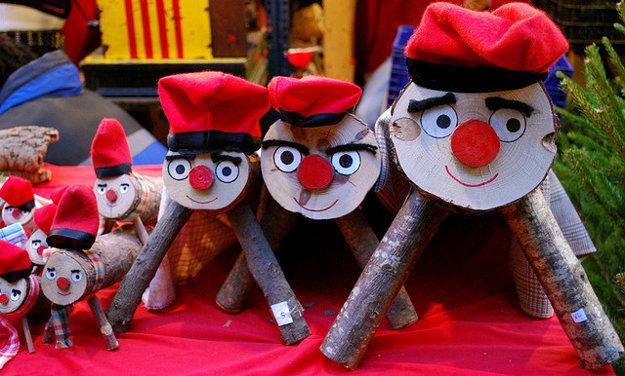 Caga Tio je populárna vianočná tradícia v Katalánsku.