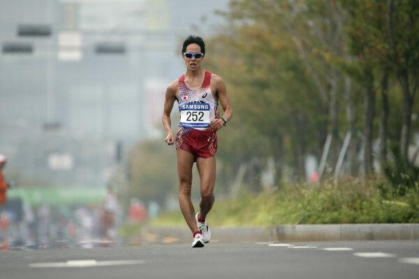 Jusuke Suzuki je svetovým rekordérom v chôdzi na 20 kilometrov.