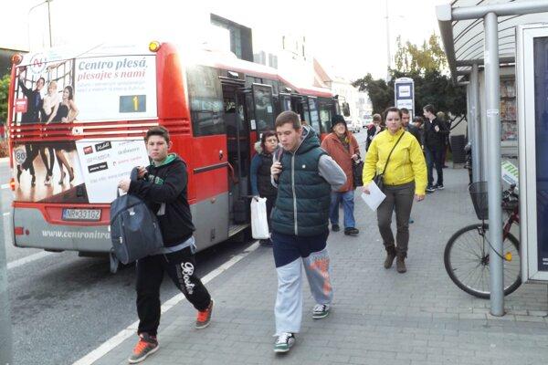 Zajtra budú autobusy jazdiť najkratšie v roku.